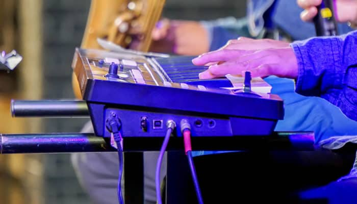 4 Best Stage Pianos That Are Portable & Professional