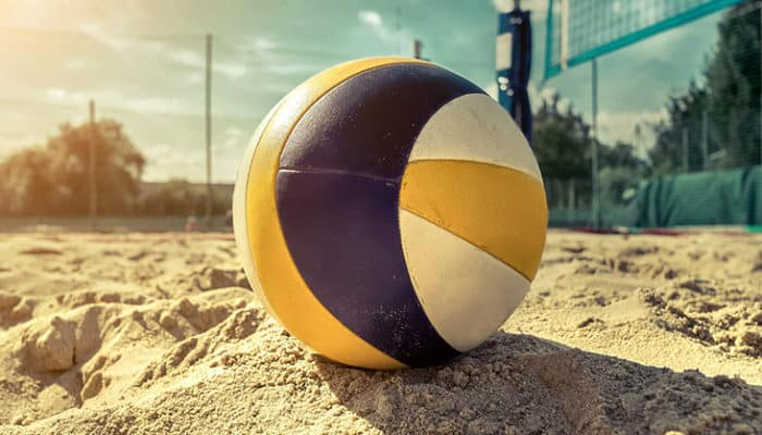 5 Best Volleyball Balls For Practice, Matches & The Beach!
