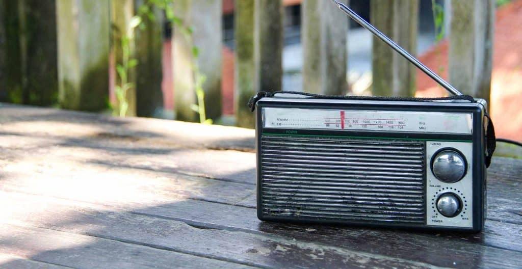 best-camping-radios