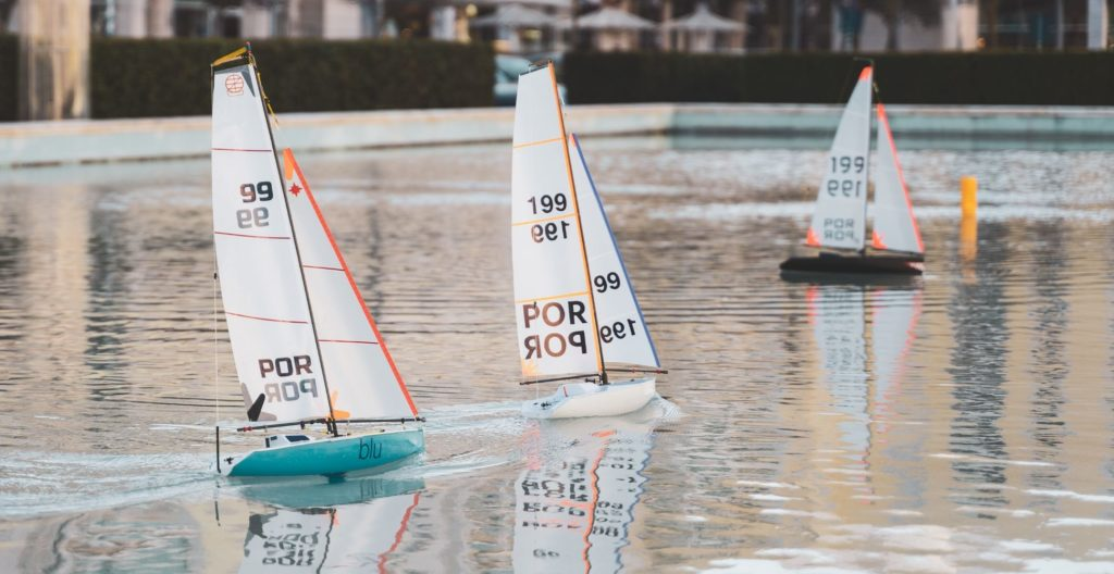best-rc-sailboat