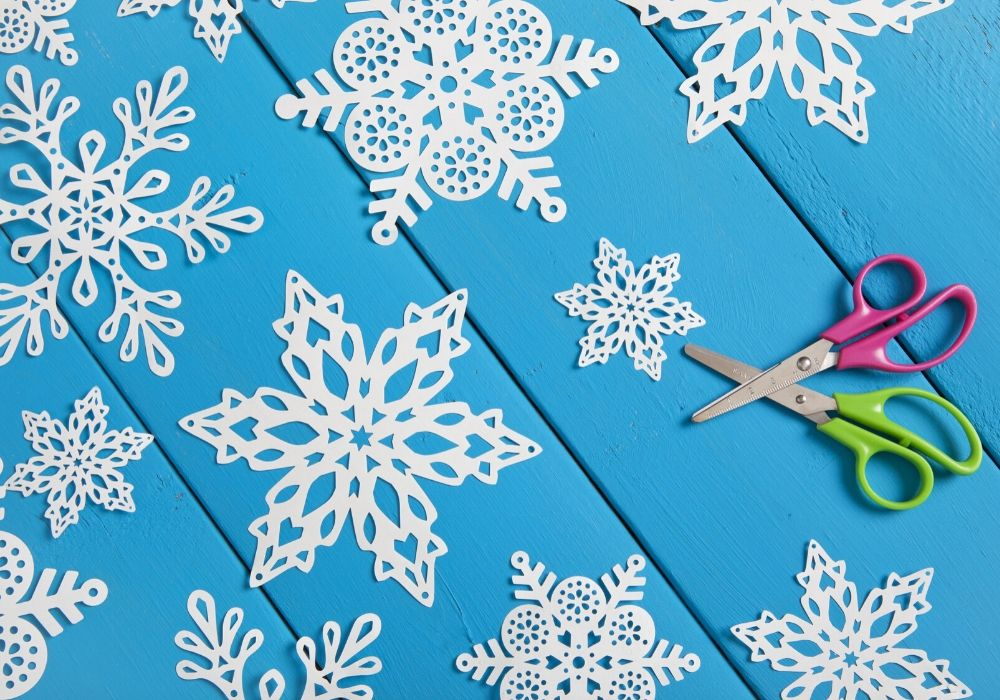 paper-craft-snowflakes