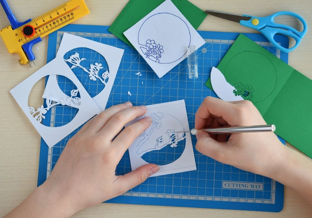 paper-cutting-3D-greeting-card